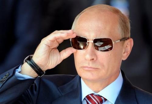 279101_le-premier-ministre-russe-vladimir-poutine-a-moscou-le-17-aout-2011.jpg